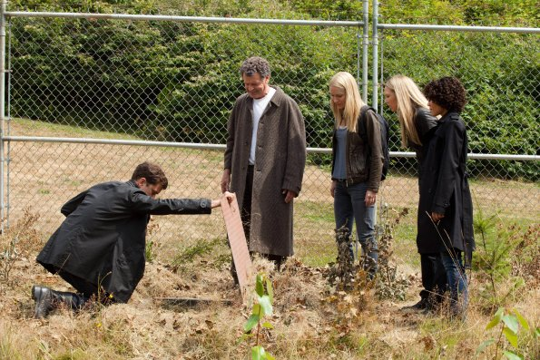 "Fringe Season 5, Episode 2 Review: ""In Absentia"""
