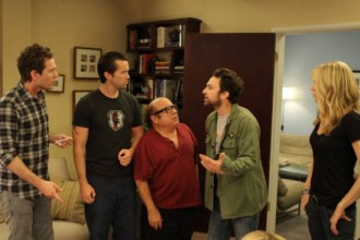 Its-Always-Sunny-in-Philadelphia-Season-8-Episode-5-The-Gang-Gets-Analyzed-4-550x366