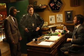Its-Always-Sunny-in-Philadelphia-Season-9-Episode-9-The-Gang-Makes-Lethal-Weapon-6-4
