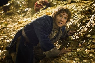 Hobbit2_Bilbo_on_Gold