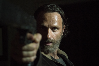 The-Walking-Dead-Four-Walls-and-A-Roof-Review